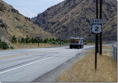 east 2 sign (640x480)