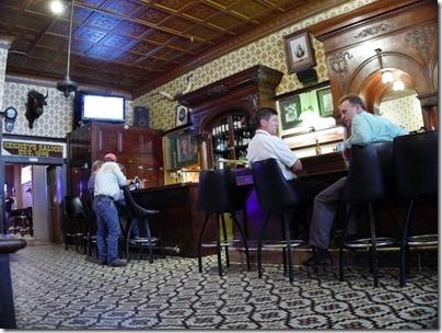 saloon (640x480)